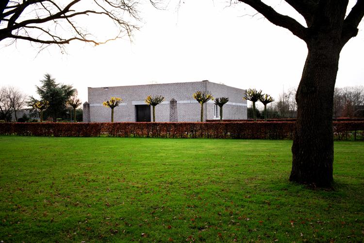 De aula op begraafplaats Duynhaeghe bij Drunen. foto Gemma van der Heyden