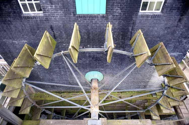De restauratie van de Kilsdonkse molen werd mede ondersteund door het Prins Bernhard Cultuurfonds. foto Piet den Blanken