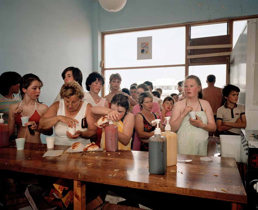 Martin Parr, The Last Resort, England, New Brighton, pigmentprint, 1983-1985, Collectie Gemeentemuseum Helmond.
