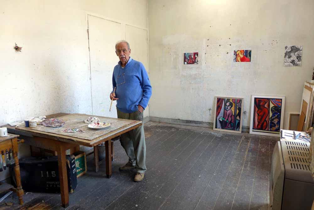Jan Vinks in zijn atelier. Foto Joep Eijkens.