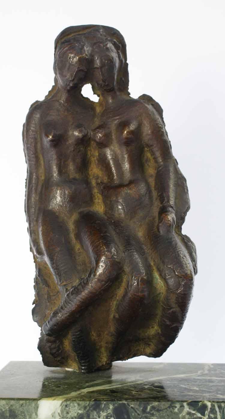 Moissey Kogan, Vriendinnen, bronsreliëf, 1933, collectie Lex en Leonie van de Haterd.