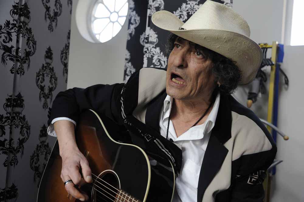 Jacques Mees met schuin omhooggeheven hoofd à la Bob Dylan. Foto Joep Eijkens.