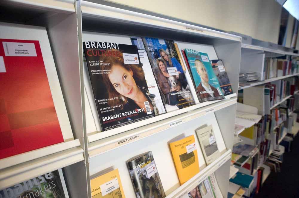 De laatste papieren uitgave van Brabant Cultureel in de openbare bibliotheek in Breda.