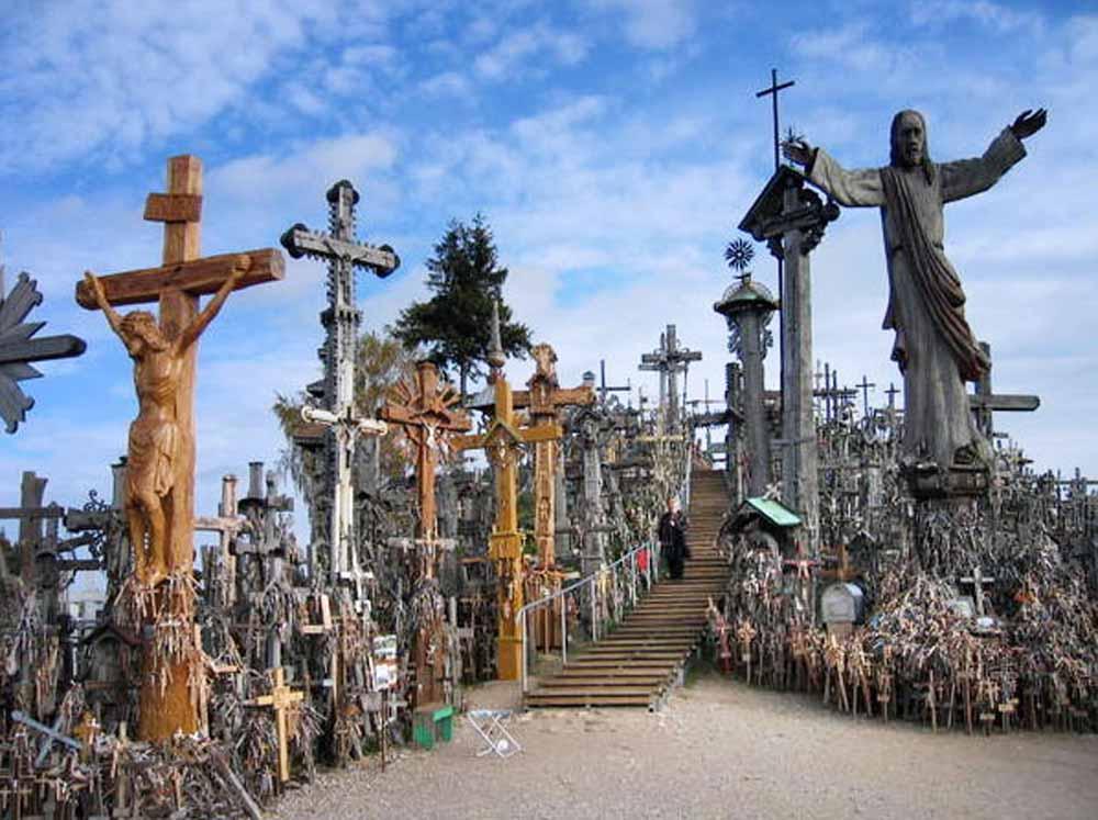 bc201605-camiel_hamans-vilmius-hill_of_crosses_lithuania-1000