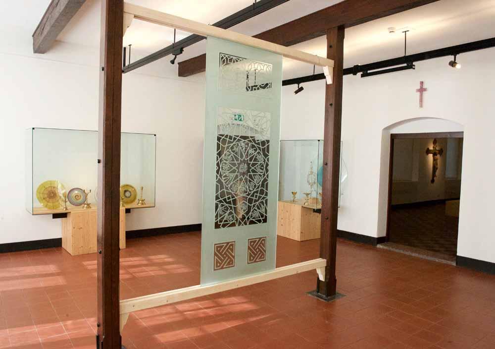 Werk van Marc Mulders in combinatie met kunstwerken uit de tijd van Jeroen Bosch.