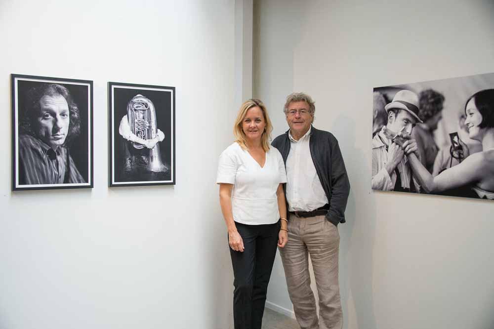 Vera en Wim Claessen bij de expositie van Vera's circusfoto's. Foto Jean Philipse