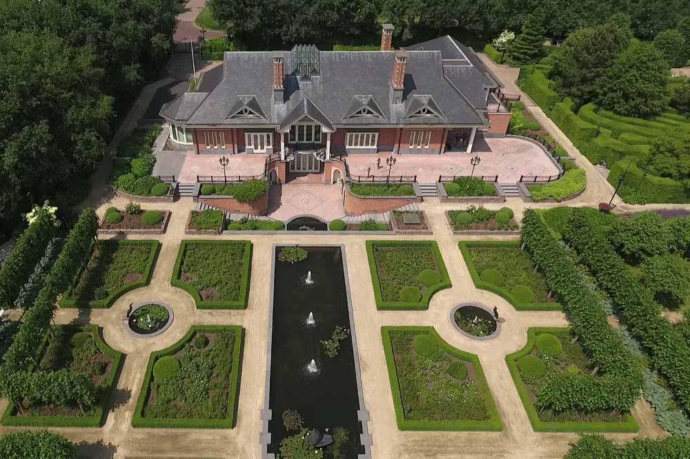 Villa Le Blaireau van bovenaf gezien. Foto Chapel Media