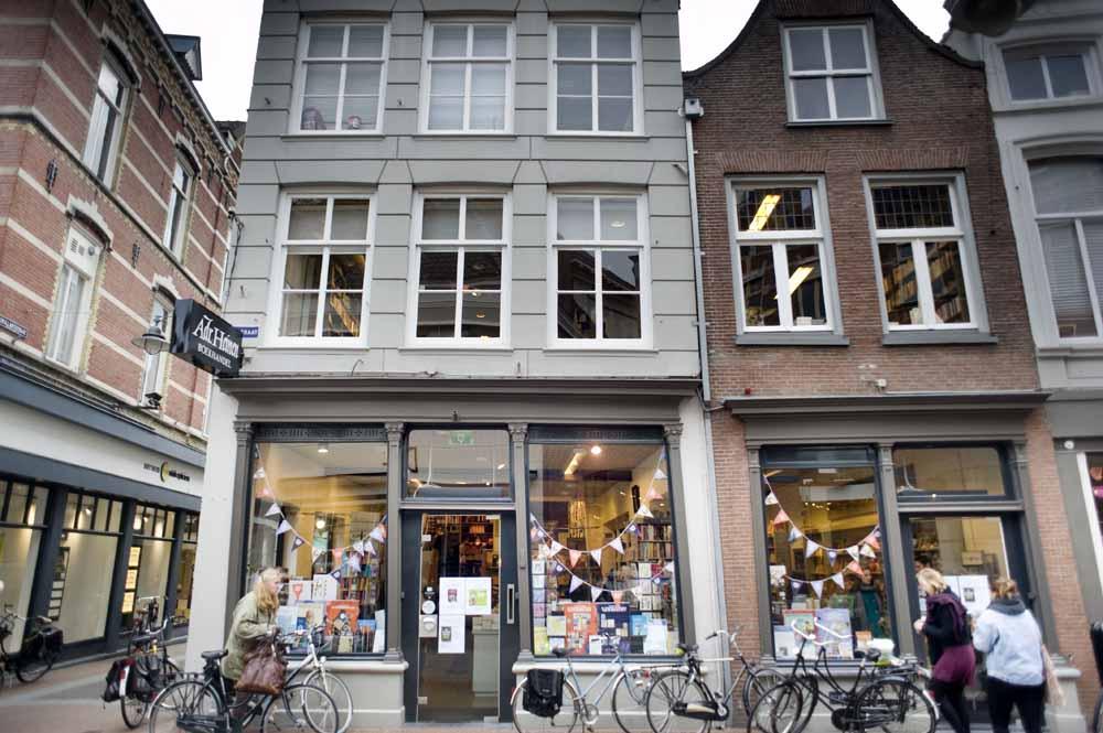 Nederland, 's-Hertogenbosch, 2016 Boekhandel Adr. Heinen in de Kerkstaat in het centrum van Den Bosch. foto Piet den Blanken / Hollandse Hoogte