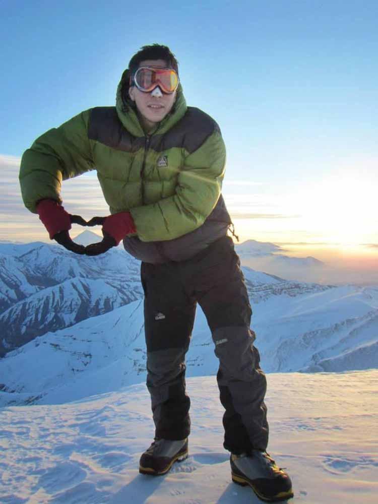 Ehsan Kanani als berggids in de Elburz, het gebergte ten noorden van Teheran. Foto privecollectie Ehsan Kanani.